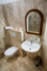 Hotel Kalimeta pokoj - koupelna_nadhled-