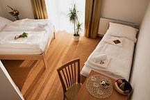 Hotel Kalimeta pokoj-min.jpg