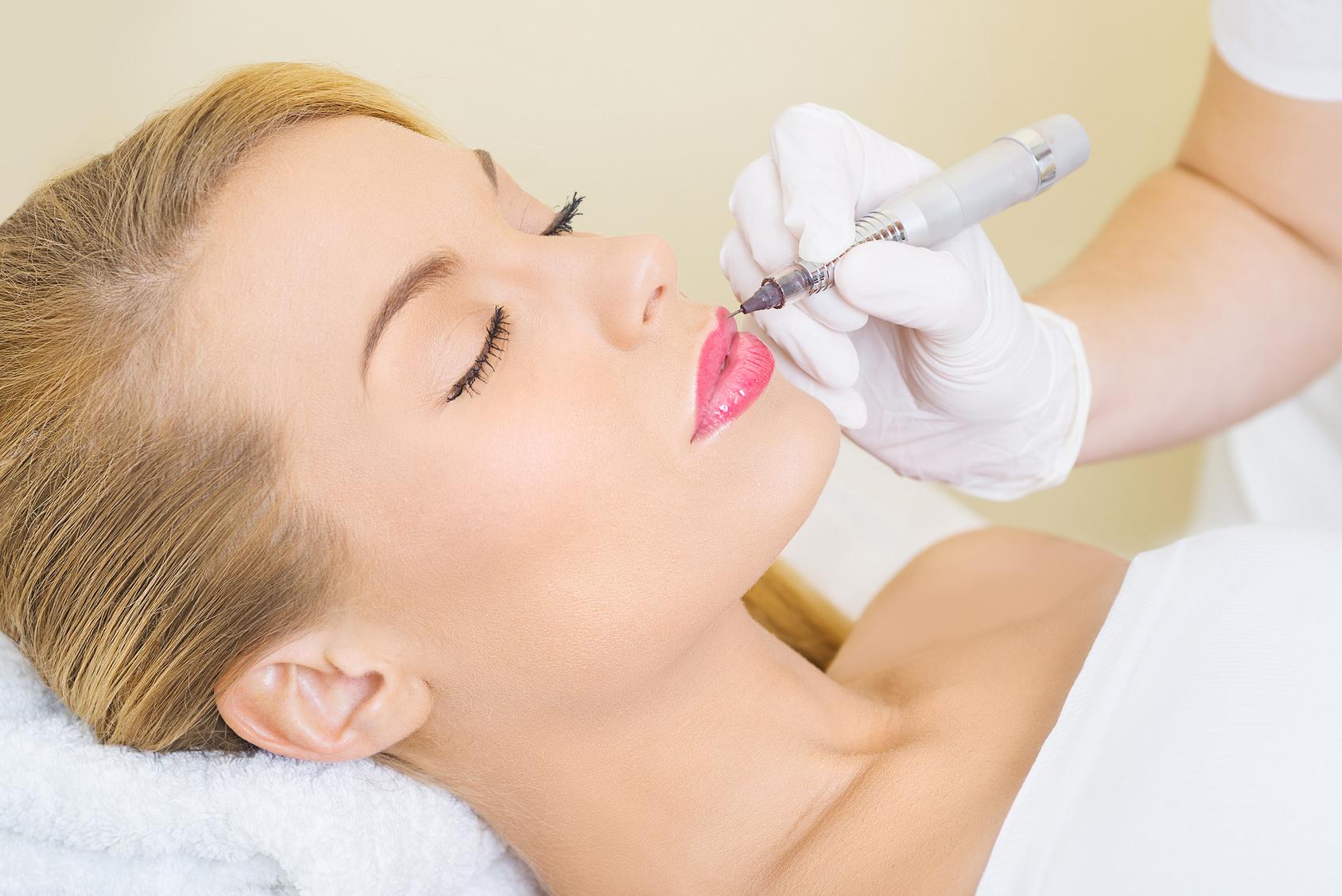 PMU Lippen Vollschattierung