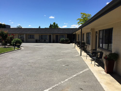 Alexandra Motor Lodge Carparking
