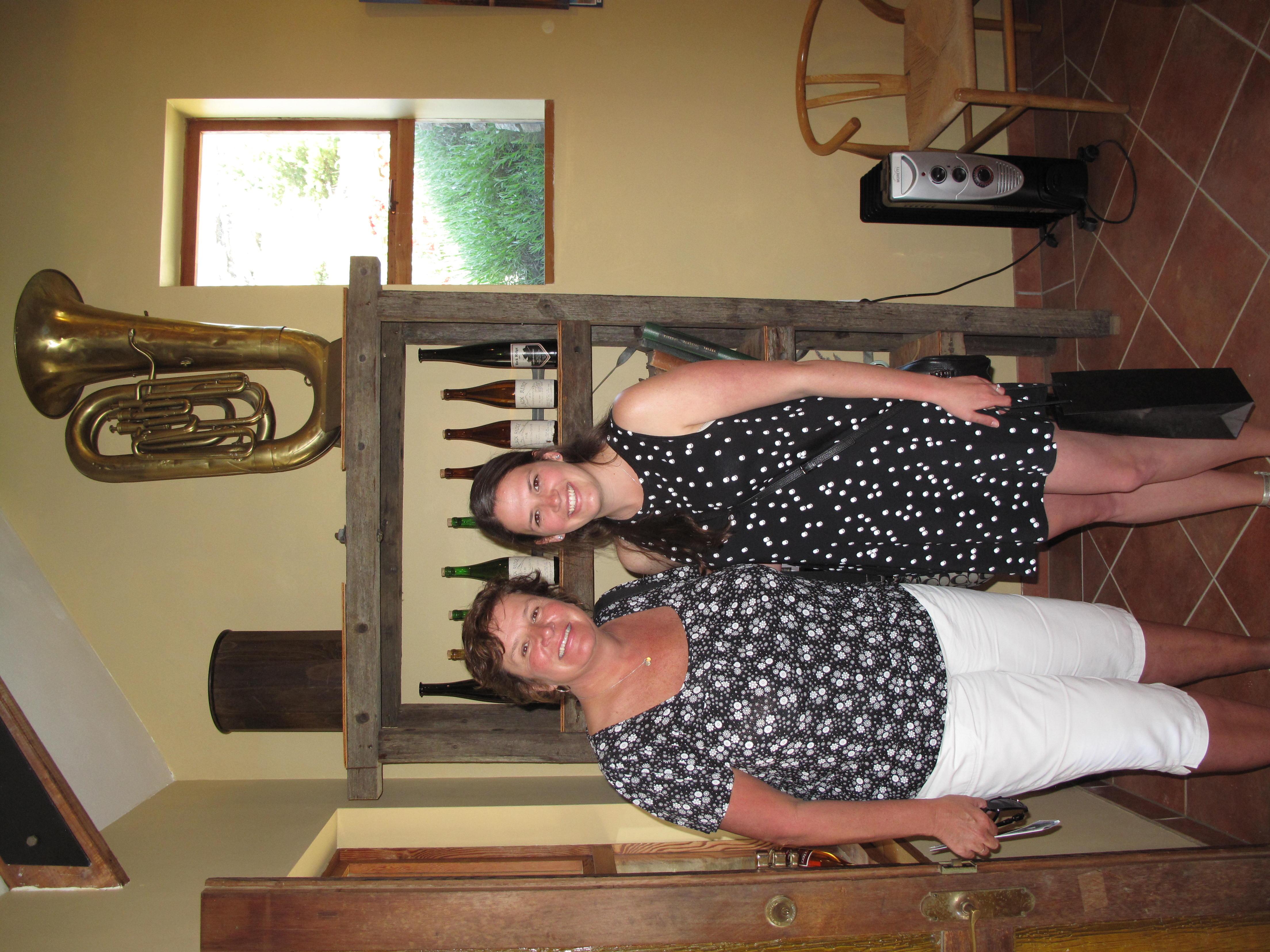 Vine 2 Wine Customers at Black Ridge