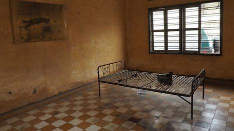 Tuol Sieng prison Cambodia.jpg