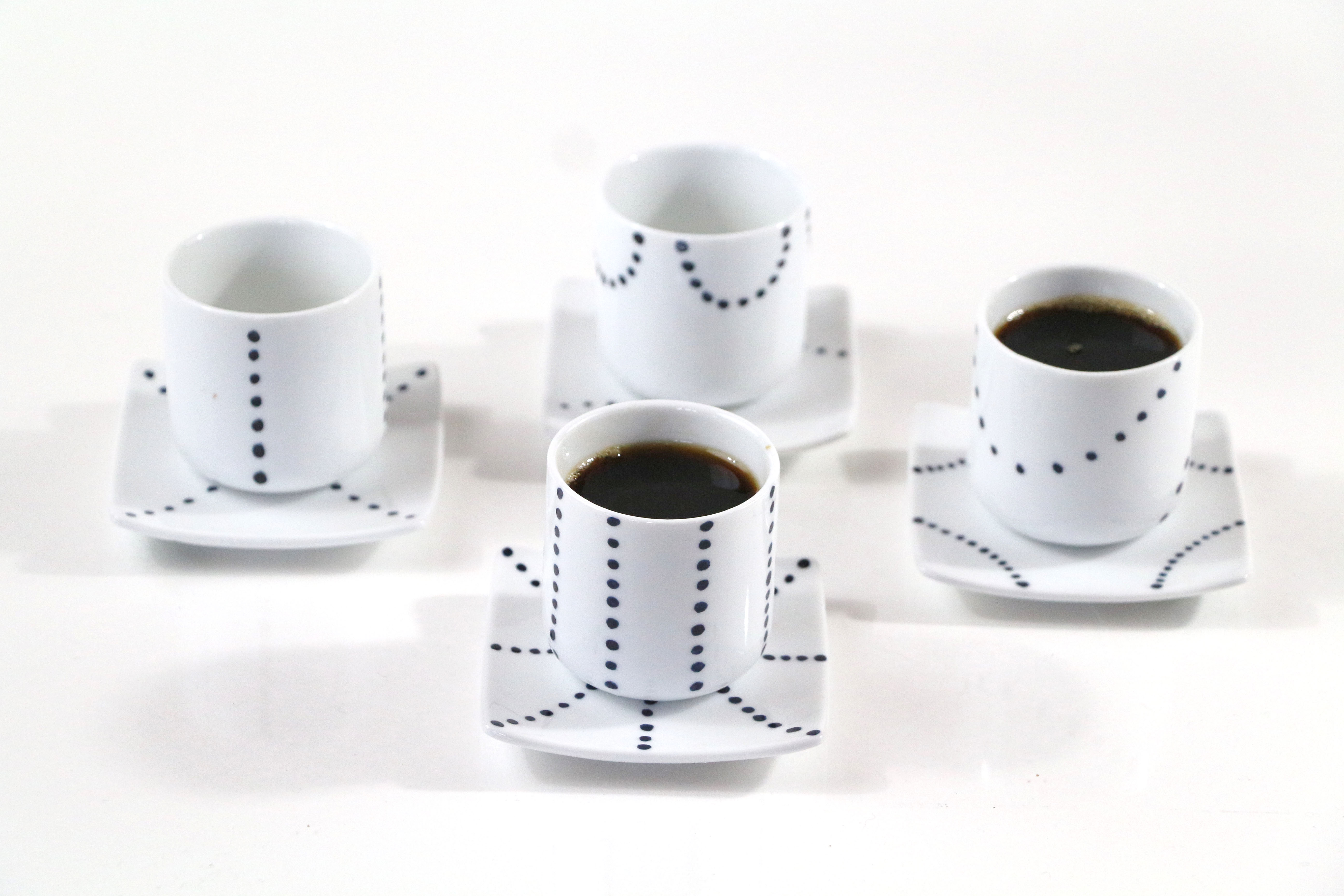 petites tasses café