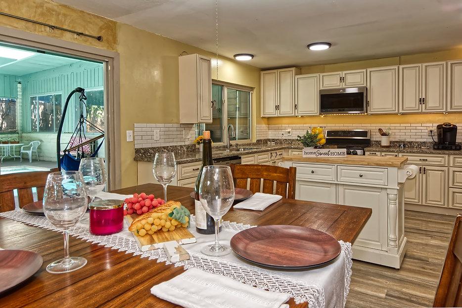 kitchen2.703 Southwick St Santa Paula CA