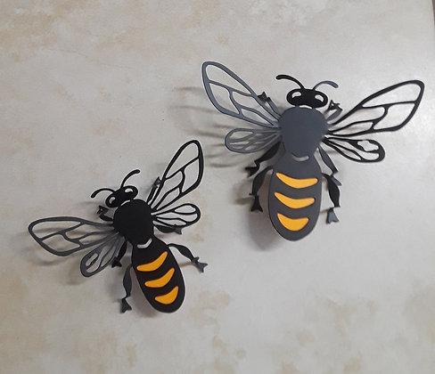 דבורים ממתכת
