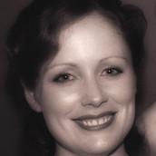 Holly Leonard