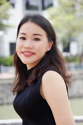 Amanda Chong HeadShot2020.JPG