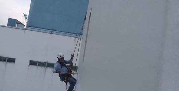 2 Kian Teck Way Rope Access External Facade Repainting