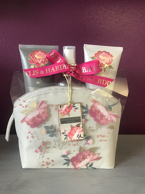 Baylis and Harding Gift bag