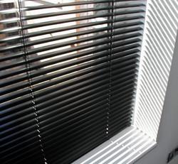 Aluminium blind.