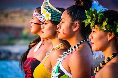 Female Siva Pasefika dancers profiles
