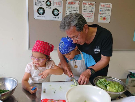 APU's circle Common Viet held a cooking class in downtown Beppu