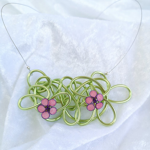 Wire and flower necklace - Green and pink