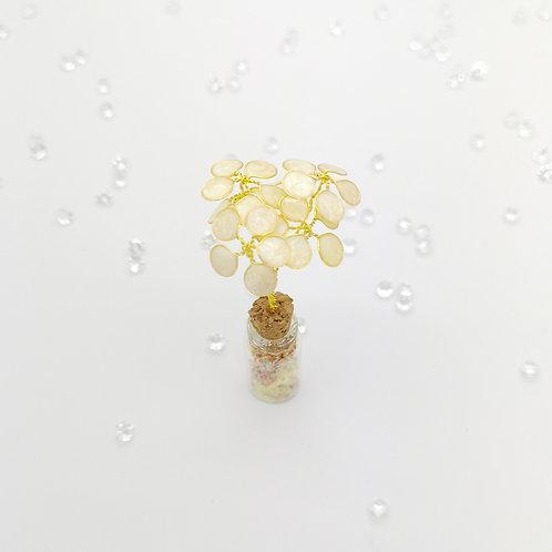 Ivory flower bouquet, mini bottle