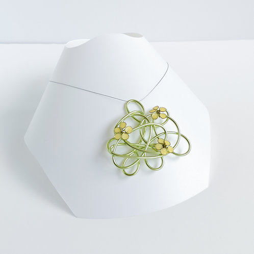 Wire and flower necklace - Green and yellow