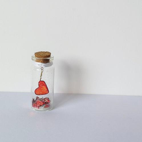 Love and glitter mini bottle gift