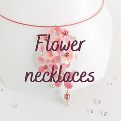 Flower necklaces.png