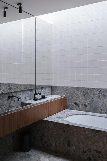 07_Bathroom 3.jpg