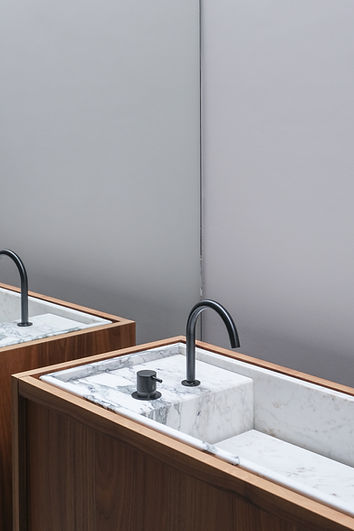 11_Toilet.jpg