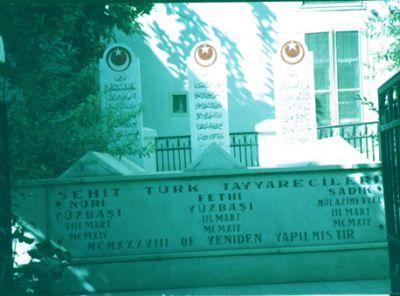 Aviators graves in Damsacus