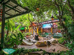 blue-diamont-restaurant-chiang-mai-thailand-laugh-travel-eat.jpg