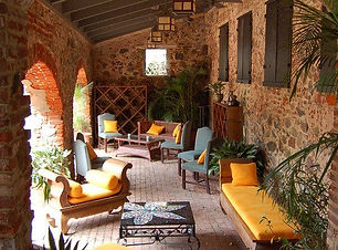 Old Stone Farmouse.jpg