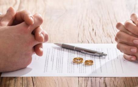 Proyecto de ley que busca modificar plazo en Divorcio Unilateral y efectos en la Sociedad Conyugal