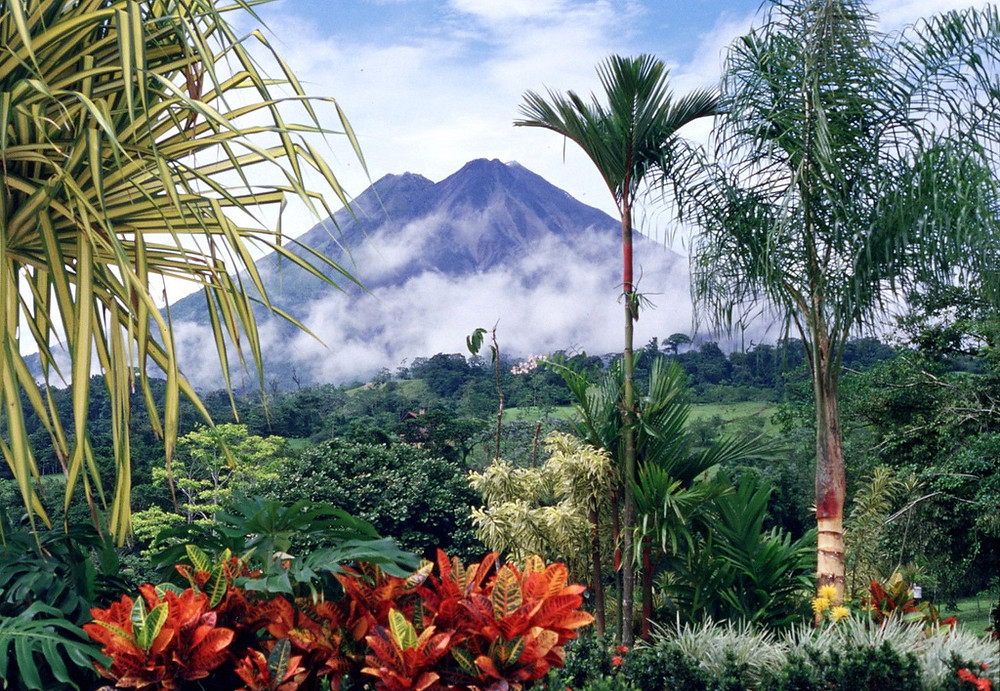 Costa Rica, photo credit: https://cdn.theculturetrip.com/wp-content/uploads/2015/11/cr.jpg