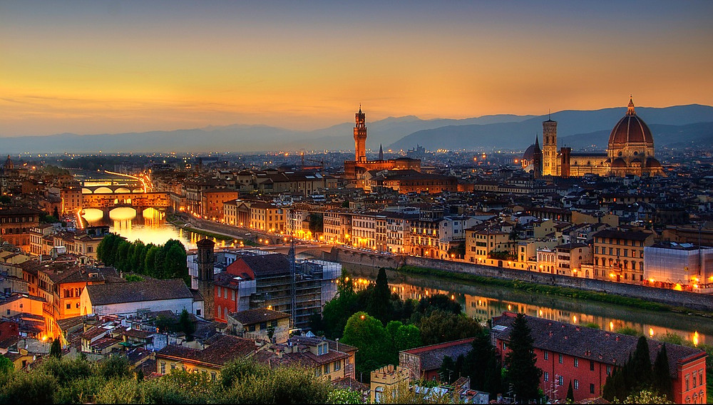 Florence, photo credit: https://lonelyplanetimages.imgix.net/mastheads/GettyImages-174463015_high.jpg?sharp=10&vib=20&w=1200