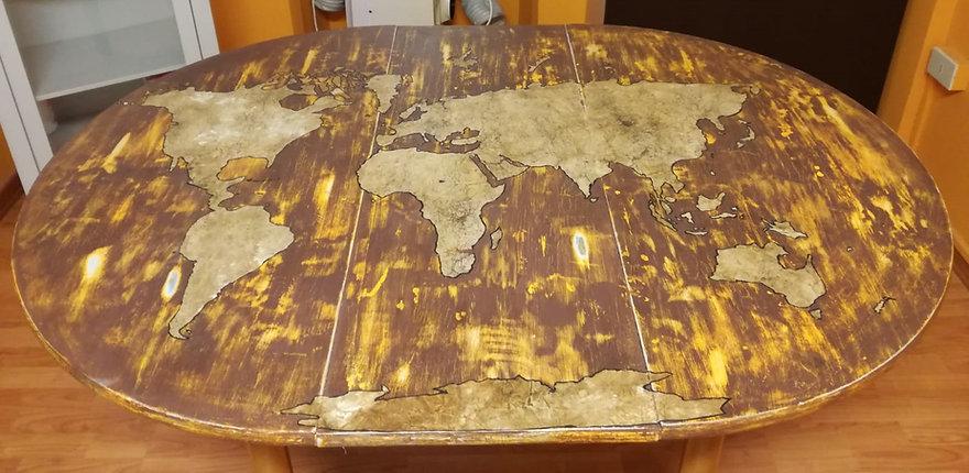 MSNA tavolo globo.jpg