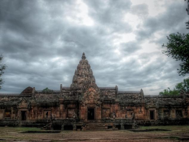 Phnom Rung HDR.jpg