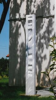 Stele aus türk.Marmor, h 200 cm