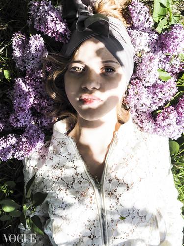 Vogue2.jpg