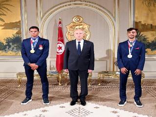 الرئيس قيس سعيد يوسم بطلين أولمبيين