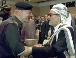 مع عبد الله حسين الأحمر