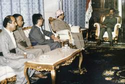 صدام-حسين-ومسعود-البارزاني