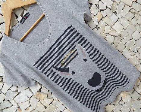 T-Shirt Ricota com Tachas