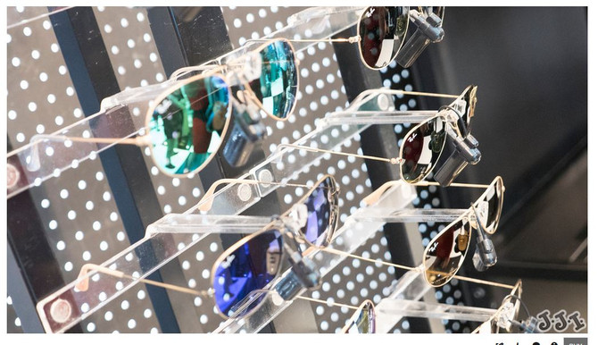 IN CROWD: Ray-Ban at The Limelight Shops