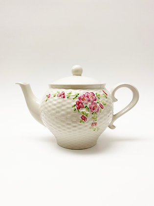 Quilted Roses Teapot