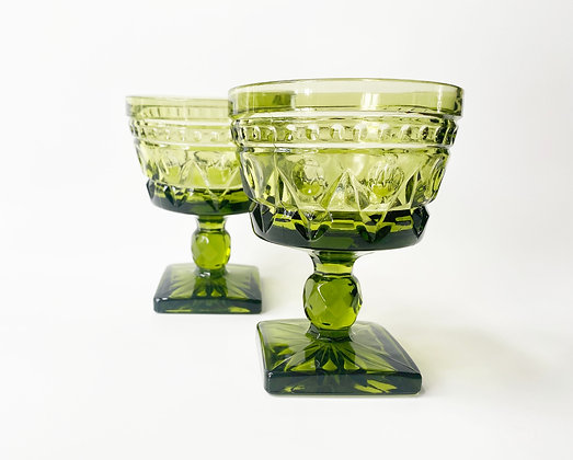 Vintage Olive Wine Glass Set