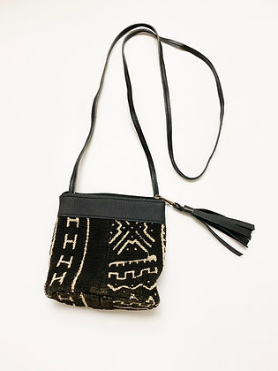 Woven Pouch Purse with Tassel