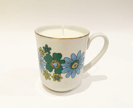 Retro Daisy Handmade Natural Soy Wax Candle - Lemon + Lavender