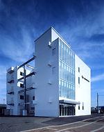 中央研究所外観-3.jpg