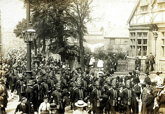 Indian troops parade down Smithdown Road