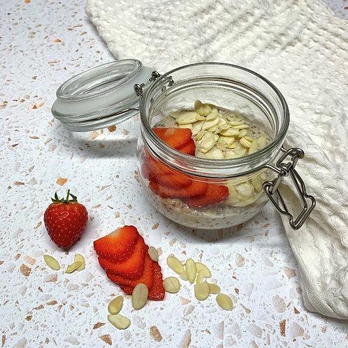 Strawberry & Almond Overnight Oats
