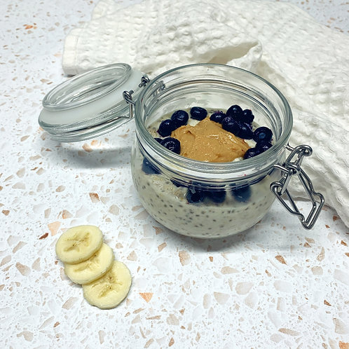 Overnight Oats with Banana, Blueberry and Peanut Butter