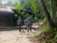 partir para caminhada à Malocas Lodge