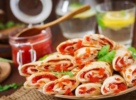 Блинчики с красной икрой и сливочным сыром