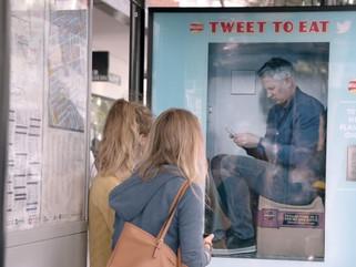 Walkers tweet activated vending machine