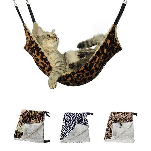 Rede suspensa para gatos.